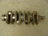 Ocelový klikový hřídel A1 s osmi protizávažími